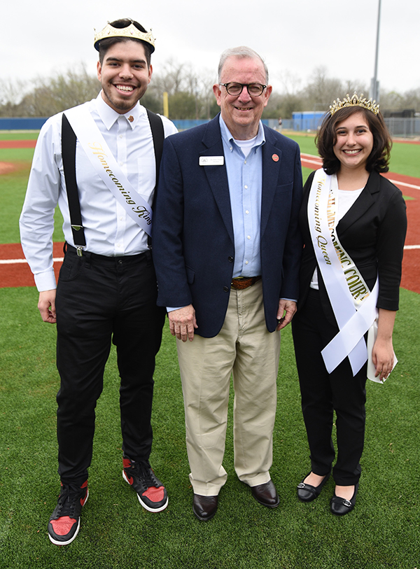Dr. Glenn with King and Queen