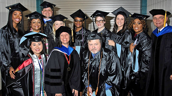 UHV graduates to celebrate Saturday at commencement