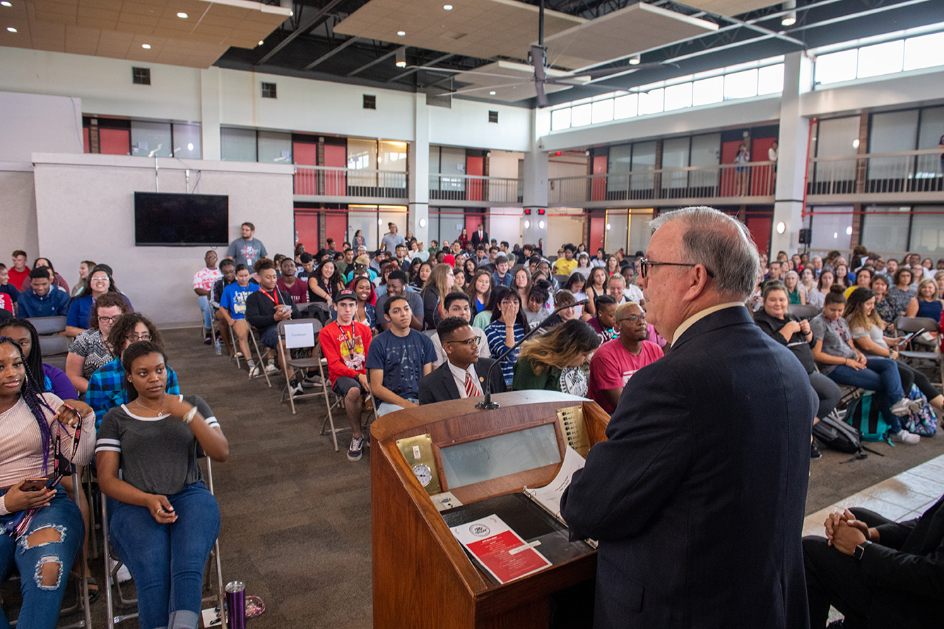 UHV students celebrate the start of the fall semester with Welcome Week activities